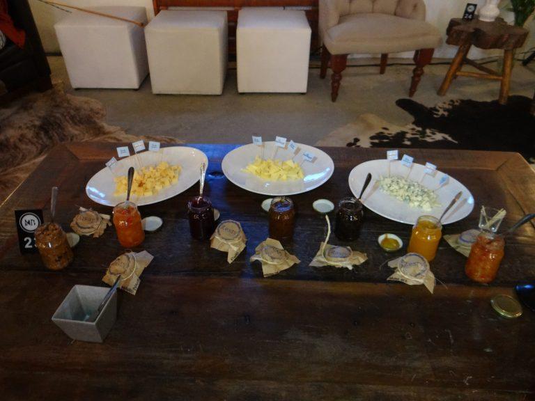 Geleias e azeite de oliva rendem experiências saborosas quando harmonizados com queijos