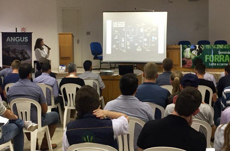 Expoijui promove seminário com temas de interesse do produtor de leite