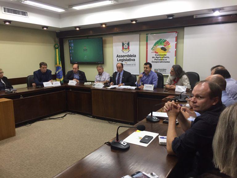 Grupo de Trabalho do Leite quer bancada gaúcha em peso no encontro com ministra da Agricultura