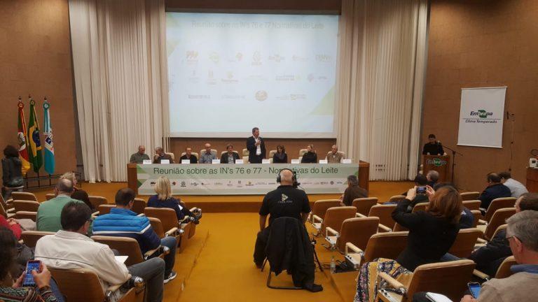 Cadeia produtiva do leite debate mudanças nas INs 76 e 77 em Pelotas