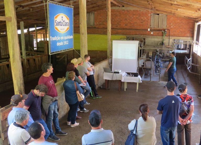 Produtores de leite debatem sobre a adequação às INs em Nova Prata
