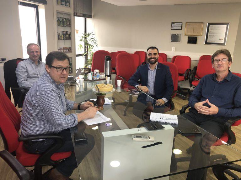 Sindilat estuda integrar Programa de Exportação da Apex-Brasil