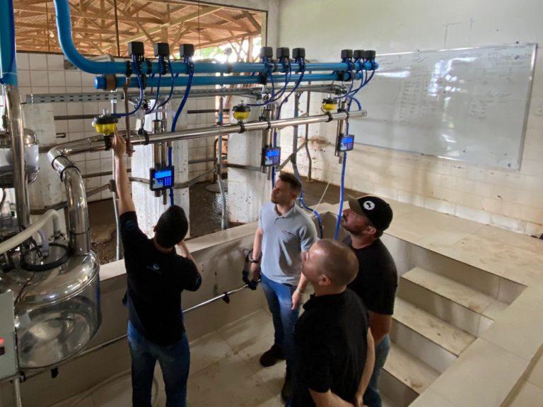 Equipamento qualifica pesquisa sobre produtividade do leite